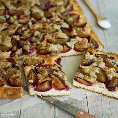 Torta di prugne con ricotta  http://blog.giallozafferano.it/passionecooking/torta-prugne-ricetta-velocissima/