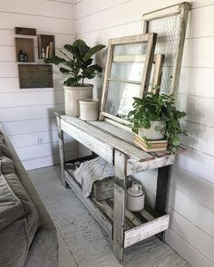 I love the rain but I haven't seen the sun all week. The sun is out today and I'm definitely enjoying it! I'm surprised Earl (the fiddle… Country Farmhouse, Farmhouse Decor, Farmhouse Kitchens, Furniture Makeover, Diy Furniture, 4 Season Room, Kitchen Family Rooms, Fiddle Fig, Fiddle Leaf