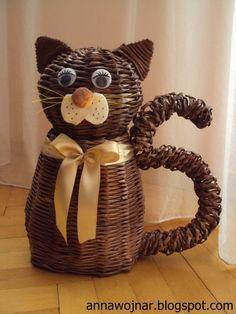 Paper Basket, Paper Folding, Baskets, Weaving, Diy, Profile, Crafts, Kitchen, Scrappy Quilts
