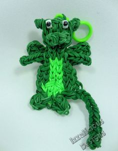 My little DRAGON. Designed and loomed by Kate Schultz of Izzalicious Designs. (Rainbow Loom FB page)