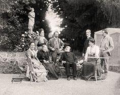 Giuseppe Verdi at Sant'Agata in 1898, with Maria Carrara Verdi, Barberina Strepponi, Giuditta Ricordi, Teresa Stolz, Umberto Campanari, the publisher Giulio Ricordi and the painter Leopoldo Metlicovitz.