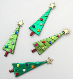 Christmas Trees by CyndraArts on Etsy.com. Use Friendly Plastic, Seed Beads, Wire.