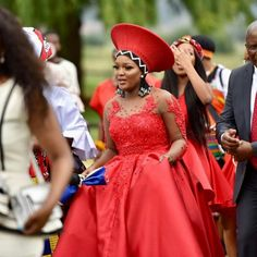 African Traditional Wear, African Traditional Wedding Dress, Traditional Weddings, African Wear Dresses, African Outfits, African Attire, African Wedding Attire, African Weddings, African Hats
