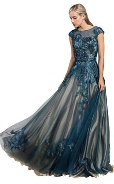 Shop our selection of couture evening gowns from some of the world's top dress designers now! Classy Evening Gowns, Evening Gowns With Sleeves, Formal Evening Dresses, Formal Gowns, Blue Wedding Dresses, Wedding Dresses Plus Size, Designer Evening Dresses, Designer Gowns, Mob Dresses