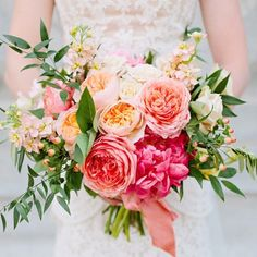 A gorgeous regram from @lindseyorton and a gorgeous bouquet brought to you by @calieroseweddingflowers our beautiful bride Cami's wedding photos are on Lindsey's blog and you should definitely go check them out.