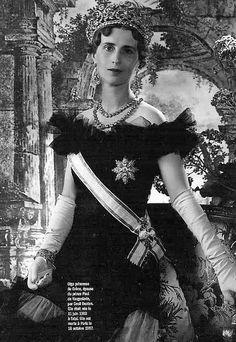Princess Olga, wife of Prince Paul of Yugoslavia, wearing the Abamalek Lazerev tiara of white and yellow diamonds. Made by Boucheron.