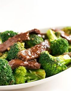 PALEO SESAME BEEF AND BROCCOLI - Paleo Recipes. Don't care about the Paleo part, this looks good and broccoli is one of the few green veggies my kids will eat! kale recipe with butternut squash Healthy Recipes, Asian Recipes, Beef Recipes, Low Carb Recipes, Cooking Recipes, Chinese Recipes, Kitchen Recipes, Chinese Food, Chinese Dinner