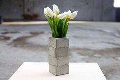 Proporciona que el vaso concreto hecha de una piezas de como cuatro elementos apilados consecutivos. El vaso de hormigón es apilar para todo tipo de
