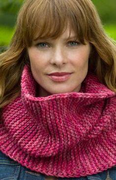Garter Stitch Cowl Knitting Pattern