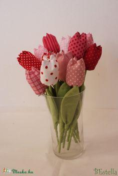 nagy csokor tavaszi tulipán vegyes színekkel, Dekoráció, Húsvéti apróságok, Meska Erika, Fabric Flowers, Sewing Patterns, Projects To Try, Crafts, Diy, Home Decor, Products, Hand Crafts