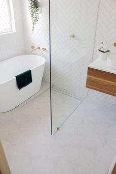 Wet Room With Bath, Small Wet Room, Wet Room Bathroom, Laundry In Bathroom, Small Bathroom Layout, Small Bathroom Renovations, Small Bathroom With Shower, Bathroom Trends, Small Bathrooms