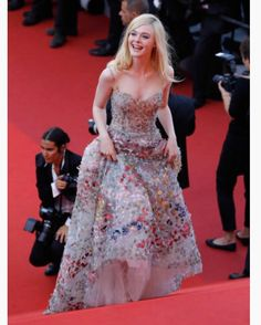 Elle Fanning Photos - Elle Fanning attends the Anniversary of the annual Cannes Film Festival at Palais des Festivals on May 2017 in Cannes, France. - Anniversary Red Carpet Arrivals - The Annual Cannes Film Festival Celebrity Red Carpet, Celebrity Style, Evening Dresses, Prom Dresses, Formal Dresses, Dakota And Elle Fanning, Palais Des Festivals, Dress Vestidos, Cannes Film Festival