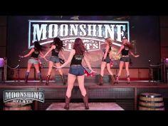Moonshine Flats - Country Girl Shake it for Me - Line Dance Tutorial Line Dancing Lessons, Line Dancing Steps, Country Swing Dance, Country Line Dancing, Country Music, Dance Workout Videos, Dance Videos, Zumba Videos, Dance Workouts