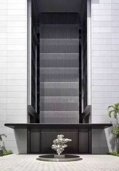 KSK luxury as a way of life⊱✿⊰Twentyone Angullia Park Entrance Design, Facade Design, Exterior Design, House Design, Porte Cochere, Building Facade, Building Exterior, Facade Architecture, Contemporary Architecture
