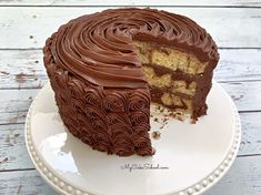 You are going to love this delicious scratch Marble Cake recipe by My Cake School! So moist and delicious, with the perfect amount of chocolate! Magic Cake Recipes, Layer Cake Recipes, Cake Recipes From Scratch, Dessert Recipes, Desserts, Marble Cake Recipe Moist, Marble Cake Recipes, Cake Cookies, Cupcake Cakes