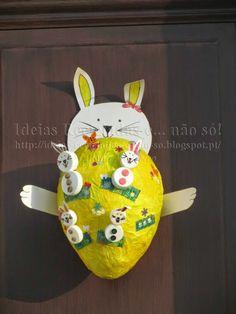 Coroa / Grinalda / Guirlanda da Páscoa. Feita com materiais reciclados.…