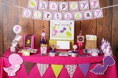 Chica dinosaurios cumpleaños fiesta decoraciones imprimibles. Los colores de decoraciones de fiesta son invitación rosa púrpura, cal, verde y