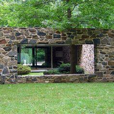 Hooper House II Courtyard view, Architect Marcel Breuer