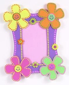Pitusas y Noketes ♥: Ideas para tus fotos Felt Crafts, Easy Crafts, Diy And Crafts, Crafts For Kids, Arts And Crafts, Preschool Classroom Decor, Homemade Greeting Cards, Art N Craft, Frame Crafts