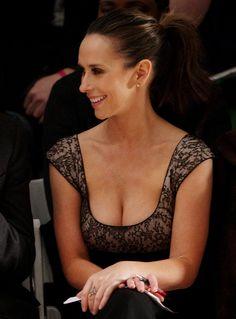 Jennifer Love Hewitt heaving bosom