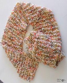 Cachecol de linha - tamanho única. Encomendas: ateliedandrea@gmail.com #cachecol #modafeminina #trico #artesanato #handmade #presente #comprodequemfaz #moda