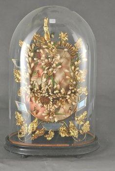 Globe de mariée à base ovale et sa garniture de coussinet, couronne