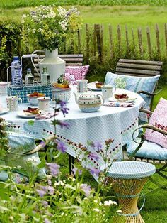 Host the perfect afternoon tea garden party Outdoor Dining, Outdoor Spaces, Outdoor Decor, Outdoor Fun, Gazebos, Garden Cottage, Shabby Cottage, Diy Garden Decor, Garden Decorations