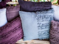 Tillfälliga kollektionen INVERKAN består av koordinerade textilier och keramik i naturliga färger - med ett socialt uppdrag i grunden. Kollektion INVERKAN är framtagen i samarbete med hantverkare från Doi Tung Development Project i norra Thailand.