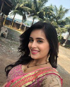 Pink 💕💓 Throwback to Indian Tv Actress, Beautiful Indian Actress, Indian Actresses, Bhojpuri Actress, Beautiful Saree, Beautiful Girl Wallpaper, Tv Girls, Cute Beauty, Women's Beauty