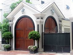 a beautiful 'garage' in Charleston, not without it's own decorative greenery!
