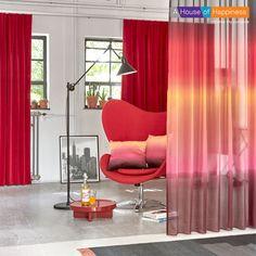 OMBRE   Een prachtig kleurverloop in je gordijnen zorgt voor een originele uitstraling. Tip: Gebruik transparant gordijn Ombre als sfeermaker in je huis als roomdivider. #gordijnen #curtains #Gardinen #Vorhänge #ombre