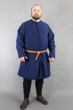 Loose garment for a man from the late 14th to 15th Centuries made of wool with linen lining and buttons