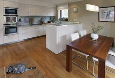 Kuchyň značky Eggersmann v ceně 990 000 Kč byla součástí projektu developera, kterému ji dodala firma Sedlák Interiér