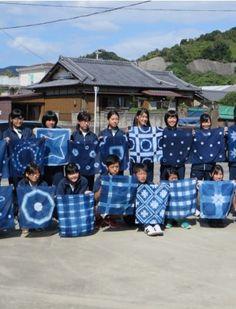Indigo dyeing in a japanese school by Neko No Sanpo