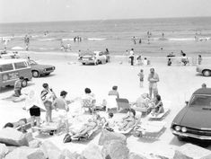 Florida Memory - Beach-goers at Jacksonville Beach Jacksonville Florida, State Of Florida, Looking Back, Beaches, Cities, Past, Blues, Fun, Image