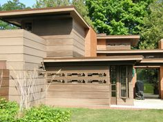 the Grounds of the Bernard Schwartz house, designed by Frank Lloyd Wright, Two… Organic Architecture, Architecture Old, Usonian House, Frank Lloyd Wright Buildings, Modern Ranch, Sheboygan Wisconsin, Travel Photos, Orange Door, Contemporary Houses