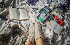 #books #coffe #morninglikethis #makemehappy #alotofbooks #lecture #readingtime #booklover #timeforread #timeforme