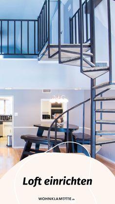 Ein Loft einrichten geht gar nicht so einfach! Wohnbereich, Bett, Küche und Schreibtisch in einem Raum? Wir zeigen Dir, wie Du mit verblüffenden Tricks und cleveren Ideen Deine Einzimmerwohnung in ein kreatives und funktionales Loft mit Flair verwandelst. Tricks, Industrial, Furniture, Home Decor, Dividing Wall, Big Sofas, One Room Flat, Repurposed, Living Area