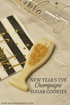Cute dessert ideas for New Year's Eve: NYE Champagne Sugar Cookies.