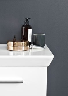 Clean lines washbasin and round curves styling - beautiful!