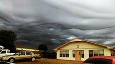 Estranhas nuvens surgem no céu de Oklahoma EUA