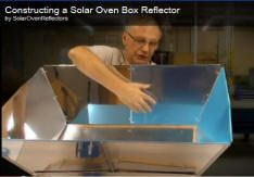 Constructing a Solar Oven Box Reflector - Cooking, dehydrating, distilling and refrigerating without electricity Survival Food, Emergency Preparedness, Survival Tips, Survival Stuff, Food Dryer, Solar Cooker, Solar Oven, Diy Solar, Alternative Energy