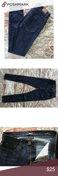 """UO BDG High Rise Twig Ankel Jeans These jeans are super cute and a closet staple; they have only been worn a few times. I'm 5'3""""/106 pounds and they fit me fairly well with a little extra room- I'm usually between a 24-25 in BDG jeans. These jeans do not have a ton of stretch as they are 1% spandex.  - Dark denim color - High rise twig ankle style - 25W X 29L  - 79% cotton, 20% polyester, 1% spandex  No trades. Urban Outfitters Jeans Skinny"""