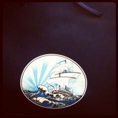 Photo by A day from Maday- 'Le sac qui attire les regards'...