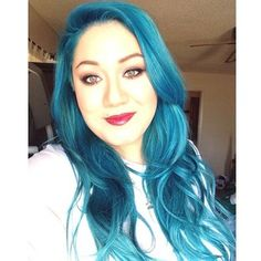 Custom colored u tip #fusion #extensions in #turquoise on a lovely client!