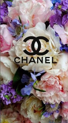 Chanel - Different and Beautiful Ideas Coco Chanel Wallpaper, Gucci Wallpaper Iphone, Chanel Wallpapers, Iphone Background Wallpaper, Pretty Wallpapers, Aesthetic Iphone Wallpaper, Aesthetic Wallpapers, Awesome Wallpapers For Iphone, Diy Wallpaper