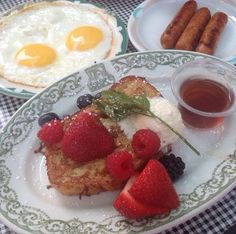 Greens Restaurant, Chicago Restaurants, Organic Recipes, Goal, Menu, Fresh, Breakfast, Menu Board Design, Morning Coffee
