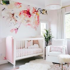 Feminine Pink and White Nursery with Floral Accent Wallpaper - Project Nursery - Nursery Decoration Idea - Nursery Room - Nursery Inspiration - Nursery Interior Girls Bedroom Decor Baby Bedroom, Nursery Room, Girls Bedroom, Nursery Decor, Boy Room, Baby Girl Nursery Wallpaper, Nursery Floral Wallpaper, Room Decor, Girl Nursery Rugs