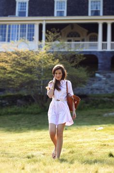 Sarah Vickers of Classy Girls Wear Pearls in a Brooks Brothers dress and Jack Rogers sandals
