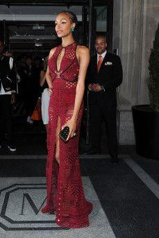 Jourdan Dunn enters the 2015 Met Gala on May 3, 2015 in New York City